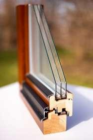 Holzfenster mit Regenschiene (Flügelabdeckprofil optional)