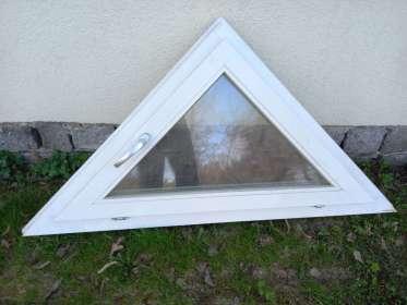 Dreiecksfenster, Holz, ca. 153x75cm
